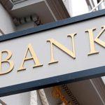 Jak technologie komunikacyjne zmieniają banki?