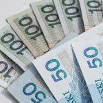 Czy bank może swobodnie wypowiedzieć umowy kredytu lub pożyczki z powodu opóźnienia w jej spłacie?